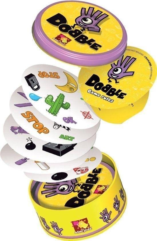 5. Dobble Clasic- kaartspel - De 10 leukste familie spelletjes voor volwassenen