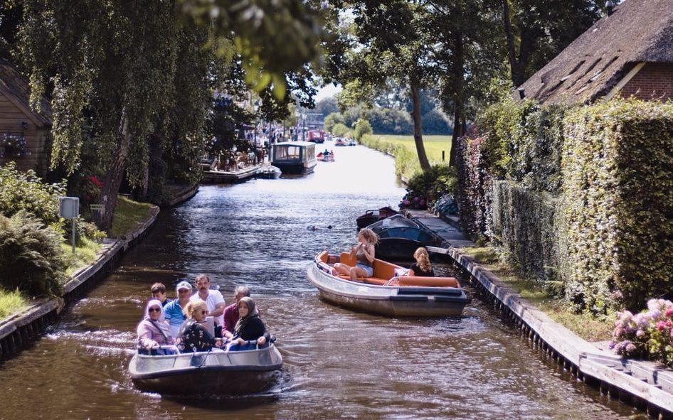 Dagje varen met vrienden in Giethoorn