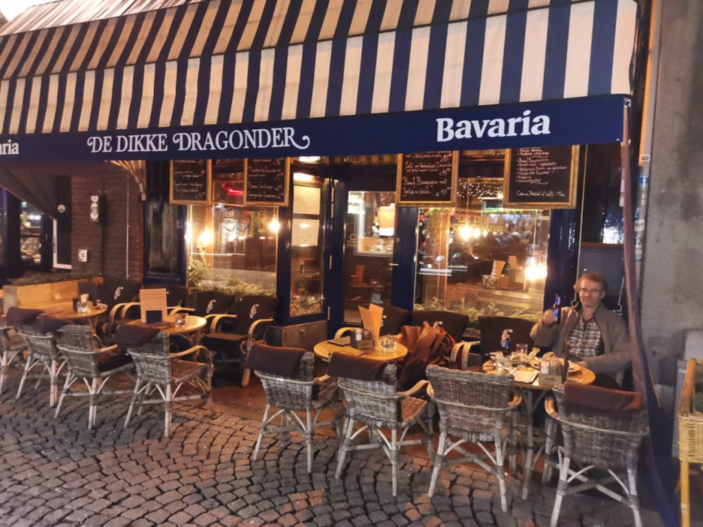 Dikke Dragonder - Leukste cafés/kroegen in Maastricht